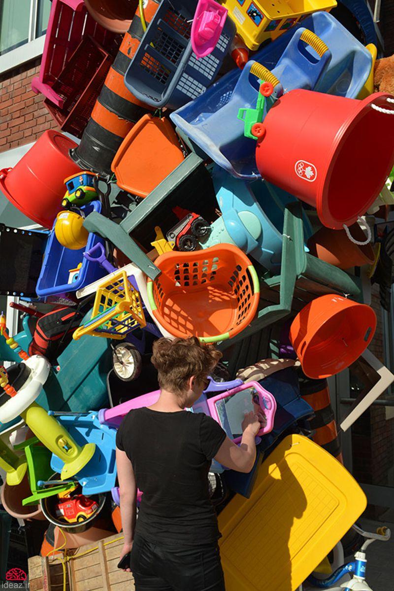 آیدیاز - زبالههای رنگارنگ